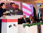 اسلام آباد: وزیر اعظم عمران خان ملائیشین تاجر برادی سے خطاب کر رہے ہیں۔