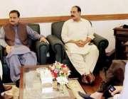 لاہور: وزیر اعلیٰ پنجاب سردار عثمان بزدار سے قائمقام سپیکر پنجاب اسمبلی ..