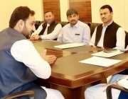 پشاور: وزیر اعلیٰ خیبر پختونخوا کے وزیر بلدیات شہرام خان ترکئی سے نظام ..