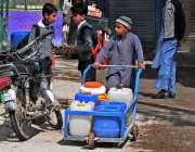 راولپنڈی: ڈھوک حسو کے علاقہ میں پینے کے صاف پانی کی قلت کے باعث ایک بچہ ..