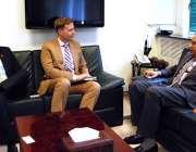 اسلام آباد: وزیر اعظم کے معاون خصوصی برائے پٹرولیم مصنوعات ندیم بابر ..