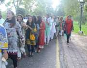 لاہور: پاکستان یوتھ کونسل کے زیر اہتمام یوم پاکستان پر نکالی گئی ریلی ..