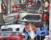اسلام آباد: فیڈرل کیپیٹل کی مقامی مارکیٹ میں گاڑیوں کے اسپیئر پارٹس ..