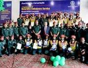 لاہور : موٹر بائیک ایمبولینس سروس کی دوسری سالگرہ کے موقع پرافسران ..