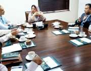لاہور:صوبائی وزیرصحت ڈاکٹریاسمین راشد کہ سپیشلائزڈ ہیلتھ کیئر اینڈ ..