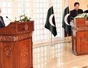 اسلام آباد: ملائیشین وزیر اعظم ڈاکٹر مہاتیر محمد مشترکہ پریس کانفرنس ..