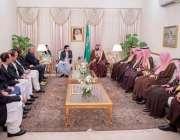 اسلام آباد: سعودی ولی عہد محمد بن سلمان اور چیئرمین سینیٹ محمد صادق ..