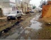 کراچی: کورنگی ڈھائی الفلاح مسجد ریاض چوک یوسی 35 کی ایک سڑک کا منظر جس ..