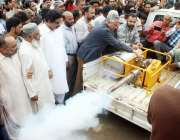 کراچی: اورنگی ٹاؤن کے علاقے کو ڈینگی وائرس سے بچانے کے لئے اینٹی ڈینگی ..