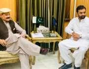 پشاور:اسپیکر خیبر پختونخوا اسمبلی مشتاق غنی سے مشیر تعلیم خیبر پختونخوا ..
