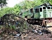 لاہور: ریلوے ڈیزل شیڈ میں متعلقہ حکام کی غفلت کے باعث گندگی کا ڈھیر ..