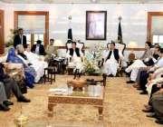 لاہور: وزیر اعظم عمران خان سے لاہور چیمبر آف کامرس اینڈ انڈسٹری کے نمائندگان ..