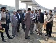 لاہور: سپریم کورٹ کے حکم پر اورنج لائن میٹرو ٹرین پراجیکٹ کے لیے بنائی ..