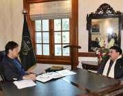 لاہور: وزیر اعظم عمران خان سے وفاقی وزیر ریلوے شیخ رشید احمد ملاقات ..