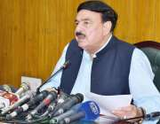 لاہور: وفاقی وزیر ریلوے شیخ رشید احمد ریلویز ہیڈ کوارٹر میں میڈیا سے ..