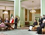 تہران: وزیر اعظم عمران خان اور ایرانی صدر حسن روانی کی موجودگی میں معاہدوں ..