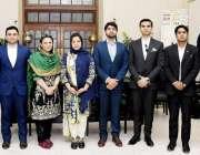 لاہور: ڈپٹی کمشنر لاہور صالحہ سعید کا46ویں کامن کے افسران کے ساتھ گروپ ..