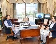 اسلام آباد: وزیر اعظم عمران خان سے گورنر سٹیٹ بینک آف پاکستان رضا باقر ..