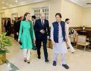اسلام آباد: وزیر اعظم عمران خان وزیر اعظم ہاؤس میں کیمبرج کے ڈیوک اینڈ ..