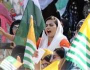 مظفرآباد: کشمیریوں سے اظہاریکجہتی کیلئے جلسہ میں خواتین ہندوستان کیخلاف ..