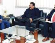 فیصل آباد: زرعی یونیورسٹی فیصل آباد کے وائس چانسلر پروفیسر ڈاکٹر ظفر ..