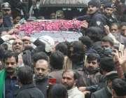 لاہور: تحریک انصاف کے سینئر رہنما عبدالعلیم خان کو احتساب عدالت میں ..