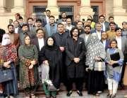لاہور: ڈپٹی سپیکر پنجاب اسمبلی سردار دوست محمد مزاری پنجاب اسمبلی میں ..