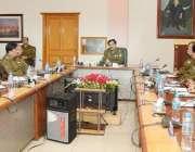 لاہور: انسپکٹر جنرل پولیس پنجاب کیپٹن (ر) عارف نواز اپنے عہدے کا چارج ..