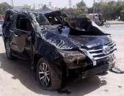 رحیم یار خان: حادثے کا شکار ہونیوالی گاڑی جس میں تین افراد جاں بحق ہوئے۔