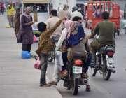 لاہور: پابندی کے باجودراوی پل پرصدقے کا گوشت فروخت کیا جارہا ہے۔