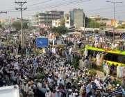 گوجر خان: جمعیت علمائے اسلام فضل (جے یو آئی-ف) آزادی مارچ کا قافلہ گوجر ..