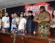 اسلام آباد: عالمی شہرت یافتہ روپ فیسٹ ریسلرز پریس کانفرنس کے موقع پر ..