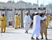 اسلام آباد: وفاقی دارالحکومت میں ایچ 9 کے قریب شاہراہ کشمیر پر صبح کے ..