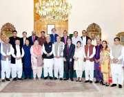اسلام آباد: صدر مملکت ڈاکٹرعارف علوی کا ملاقات کرنے والے (APNS) وفد کے ..