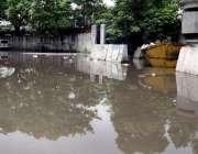 لاہور: صوبائی دارالحکومت میں صبح کے وقت ہونے والی بارش کا پانی پنجاب ..