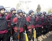 ایبٹ آباد: ایلیٹ فورس کے اہلکار الرٹ کھڑے ہیں۔