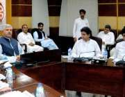 پشاور: وزیر اعلیٰ خیبر پختونخوا محمود خان اچکزئی کابینہ کے اجلاس کی ..