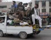 راولپنڈی: اوورلوڈ گا ڑی مری روڈ سے گزررہی ہے جو کسی حادثے کا سبب بن سکتی ..