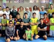 پشاور: نیشنل گیمز کیلئے صوبائی کبڈی ٹیم کے منتخب کھلاڑیوں کا آفیشلز ..