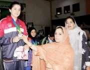 بلوچستان نیشنل پارٹی کی مرکزی خواتین سیکرٹری زینت شاہوانی سردار بہادر ..