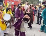 لاہور: ماں بولی دیہاڑ کے زیر اہتمام کارکن مادری زبان کے عالمی دن کے ..