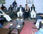 لاہور: تحریک انصاف کے مرکزی سیکرٹری جنرل ارشد داد اور ایڈیشنل سیکرٹری ..