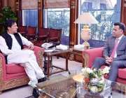 اسلام آباد: وزیراعظم عمران خان سے ڈی جی آئی ایس آئی لیفٹیننٹ جنرل فیض ..