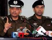 راولپنڈی: سی پی او احسن عباس پریس کانفرنس سے خطاب کر رہے ہیں۔