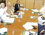 لاہور: صوبائی وزیر صنعت و تجارت میاس اسلم اقبال کابینہ کمیٹی برائے ..