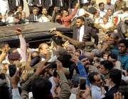 لا ہور: مسلم لیگ (ن) کے قائد سابق وزیراعظم نواز شریف کو احتساب عدالت ..