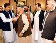 اسلام آباد: وزیر اعظم عمران خان، سابق رکن قومی اسمبلی ڈاکٹر جی جی جمال ..