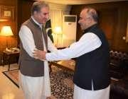 اسلام آباد: وزیر خارجہ شاہ محمود قریشی وزارت خارجہ آمد پر گورنر خیبر ..