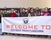 پشاور: وزیر برائے کلچر اینڈ ٹورازم عاطف خان کا چینی وفد ک ہمراہ گروپ ..