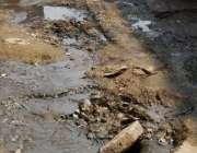 کراچی: کورنگی ڈھائی الفلاح مسجد ریاض چوک یوسی 35 کی سڑک سے ابلتا گٹر ..